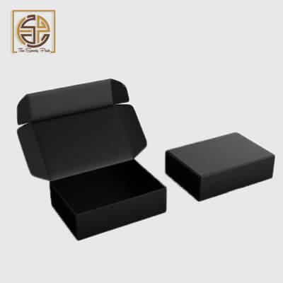 custom-black-mailer-boxes