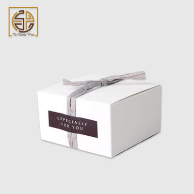 custom-white-favor-boxes