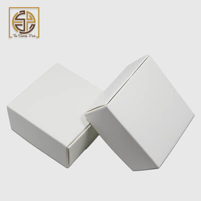 white-mailer-boxes-design