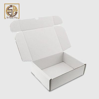 white-mailer-boxes